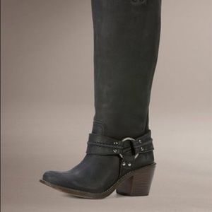 Frye black distressed leather riding boot size-6.5